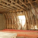 Готовая крыша в дачном доме