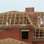 Шатровая крыша в кирпичном доме